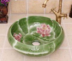 Tavirózsát idéző mosdó